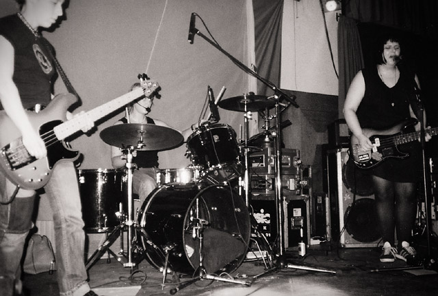 photos/concerts/2000/06_12_K4_Nuernberg/000612_Flamingos+DisPlan_Flamingo_Massacres_05.jpg