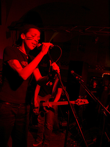 photos/concerts/2003/05_15_K4_Nuernberg/Sighs_Of_Sissfied_Resistance_03_05150014.jpg