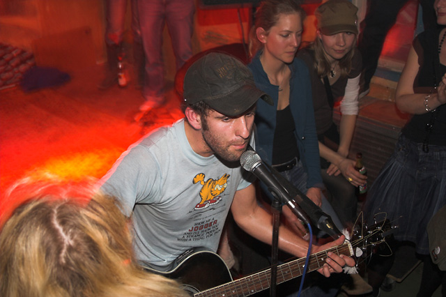 photos/concerts/2006/04_01_Kafe_Kult_Muenchen/Jason_Anderson_060401_IMG_4932.jpg